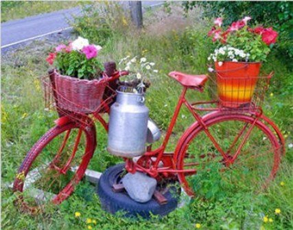 Two Wheels Garden, Garden Art Idea
