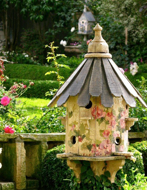 Lovely Garden Decor - The Lovely Plants