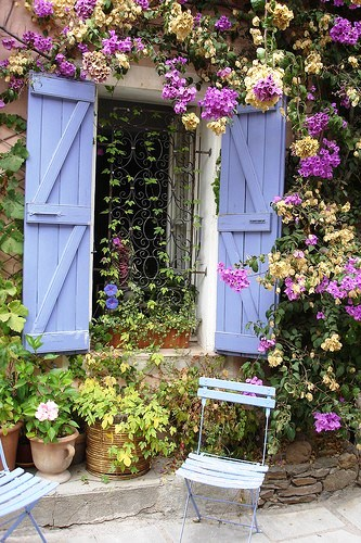9 examples of beautiful small space gardens for Beautiful small gardens