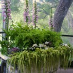 Creative DIY Gardening Idea # 21: Garden in an Old Bathtub